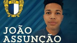 Joao Assunçao, en el anuncio de su renovación con el Famalicao.