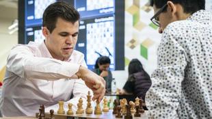 Magnus Carlsen durante una partida en 2018.