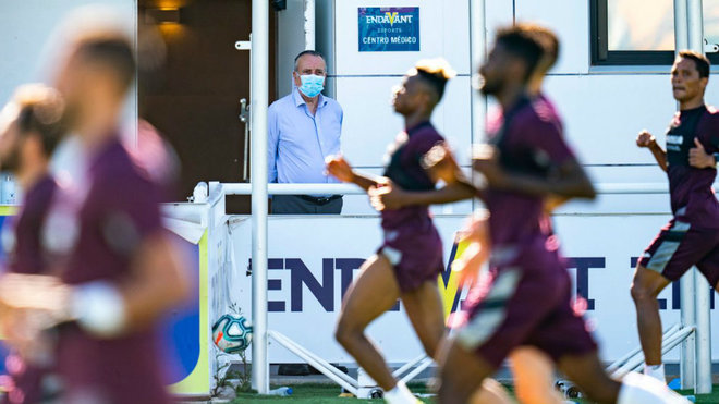 Fernando Roig pasa revista en la sesión del Villarreal