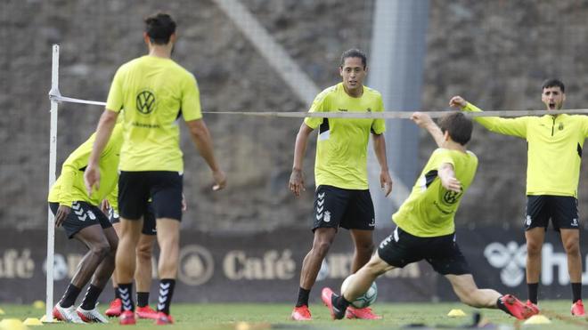 Los jugadores de Las Palmas, durante el entrenamiento.