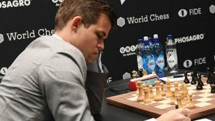 Magnus Carlsen, camepón del mundo de ajedrez, durante un torneo.