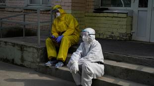 Se registra récord de contagios en el mundo en las últimas 24 horas.