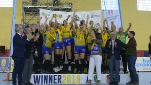El Rocasa Gran Canaria celebra el título de la Challenge Cup 2019 /