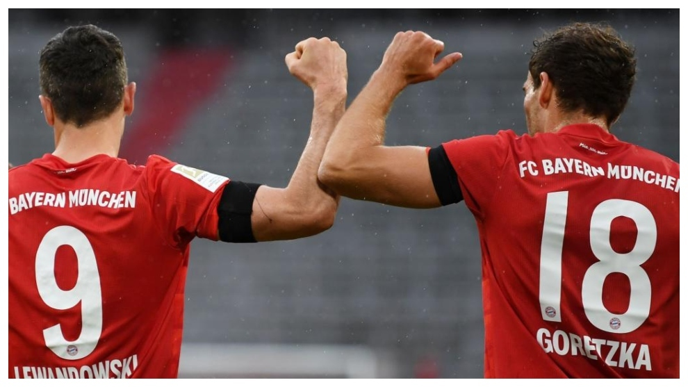 Lewandowski y Goretzka celebran un gol contra el Eintracht.