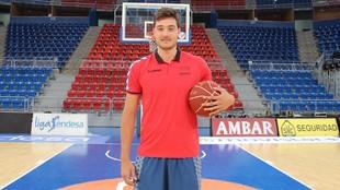 Daniel Bordignon posa en el Buesa Arena.