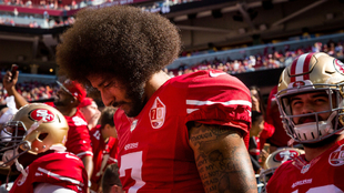 Colin Kaepernick se ha asumido como un líder en la lucha contra el...