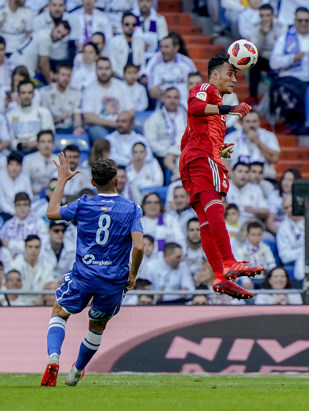 Mizzian y Keylor Navas, en el Real Madrid - Melilla