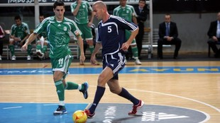 Zidane, en un partido de fútbol sala en España.