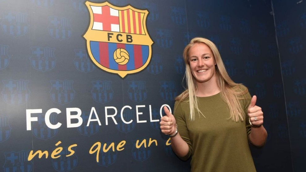 Stefanie Van der Gragt, tras fichar por el Barcelona.