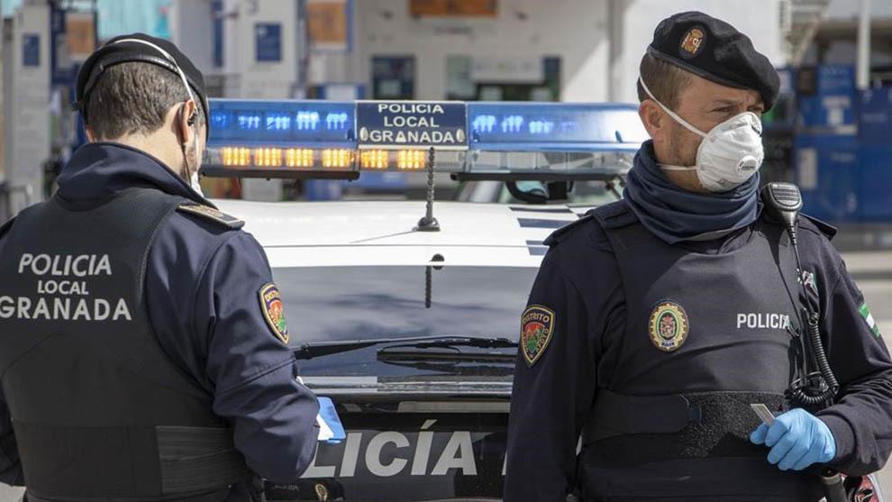 Agentes de policía local de Granada.