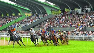 Una carrera en el hipódromo de Lasarte (San Sebastián).