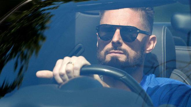 Giroud joy at extending his Chelsea stay