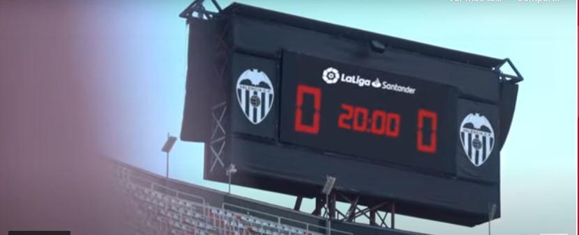 Imagen del videomarcador de Mestalla en el minuto 20, usado para la...