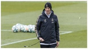 Zidane, durante un entrenamiento del Real Madrid.