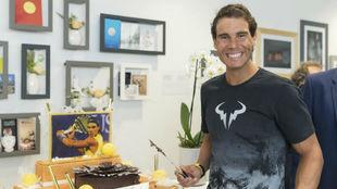 Nadal celebrando su cumpleaños en Rolad Garros