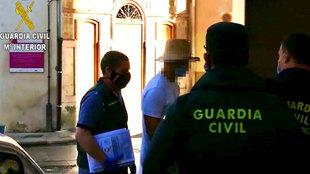 Detienen a Nacho Vidal por la muerte de un fotógrafo en un ritual con veneno de sapo