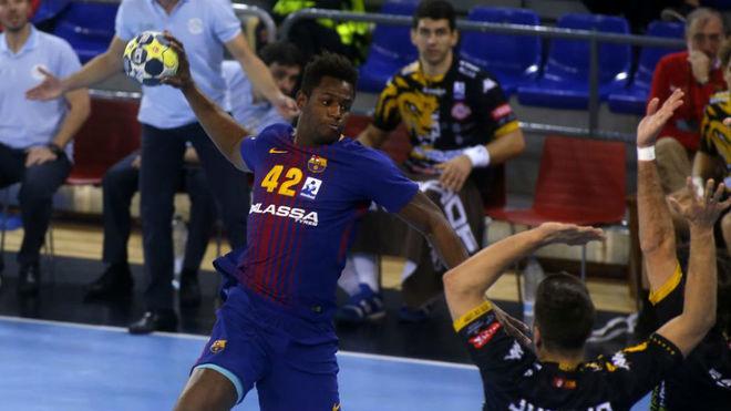 Wael Jallouz, en un partido del Barcelona /