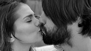 Sara Sálamo e Isco Alarcón besándose