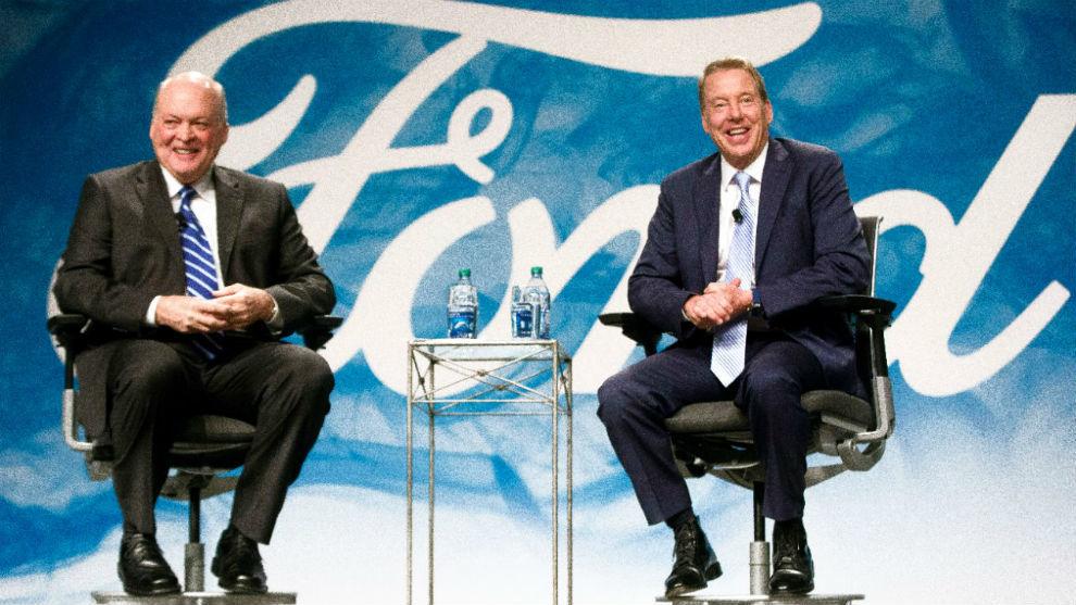 El CEO de Ford, Jim Hackett, y el presidente de la compañía, Bill Ford.