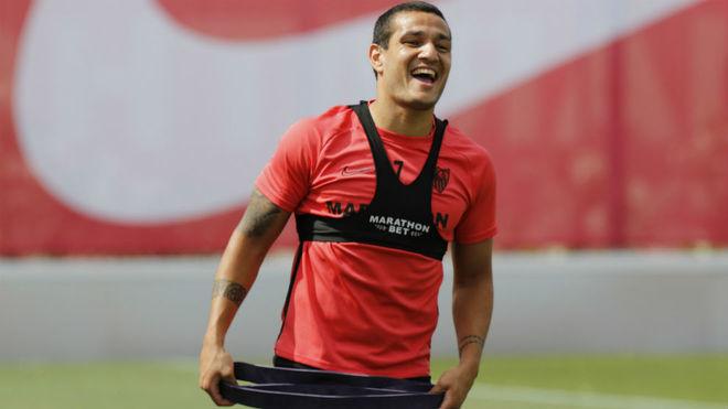 Rony Lopes sonríe en un entrenamiento.