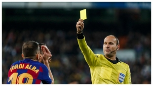 Esta tarjeta coloca al lateral del Barcelona al borde de la...