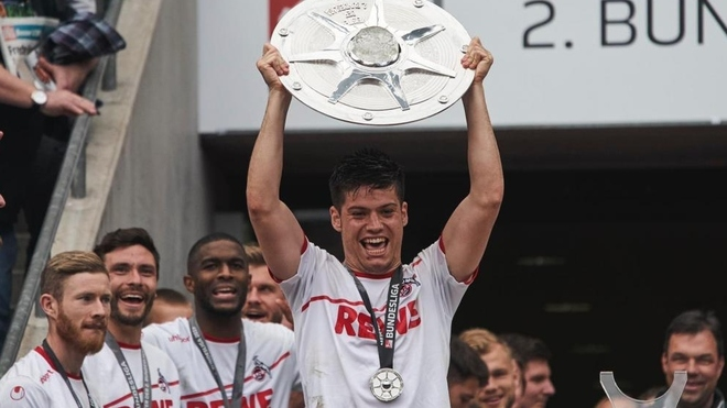 Jorge Meré durante una celebración con el Colonia.