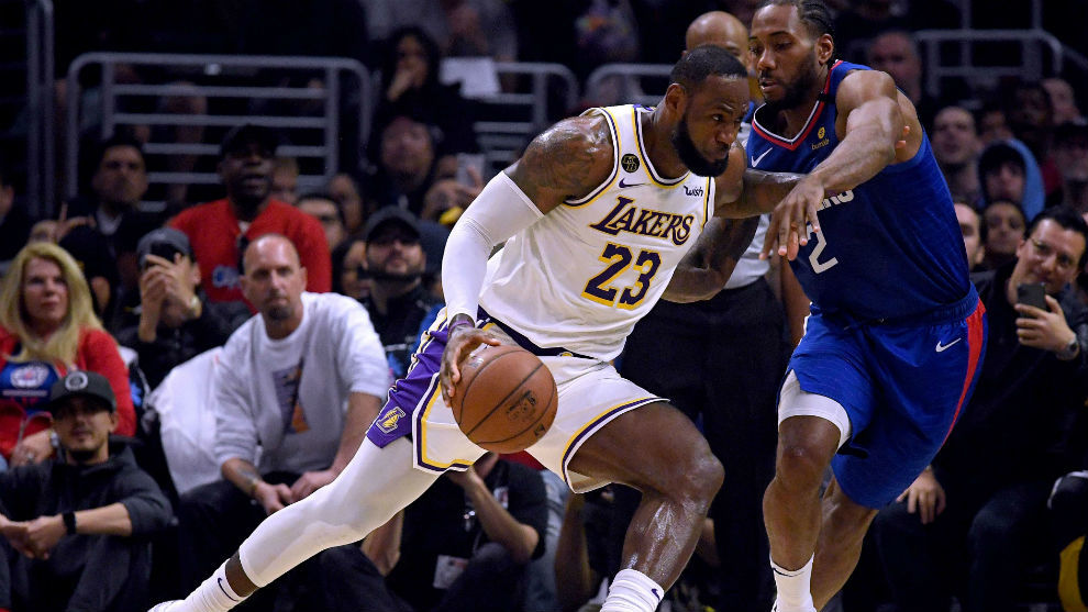 LeBron James y Kawhi Leonard, durante el último Clippers-Lakers
