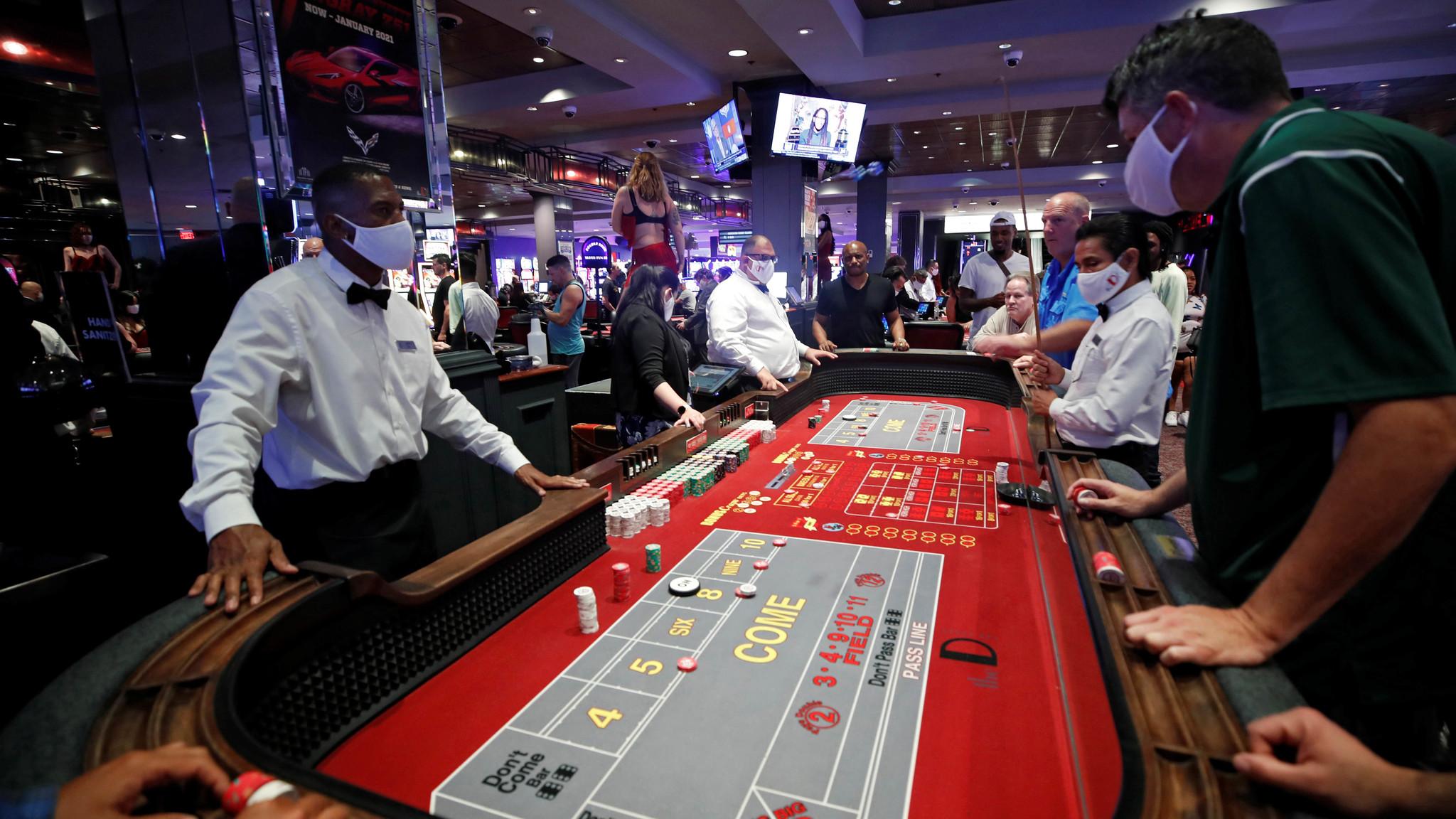 Desde este jueves la gente regresó a los Casinos en Nevada |