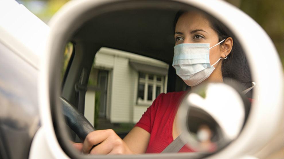 Un error muy común es llevar mal ajustados los espejos retrovisores exteriores.