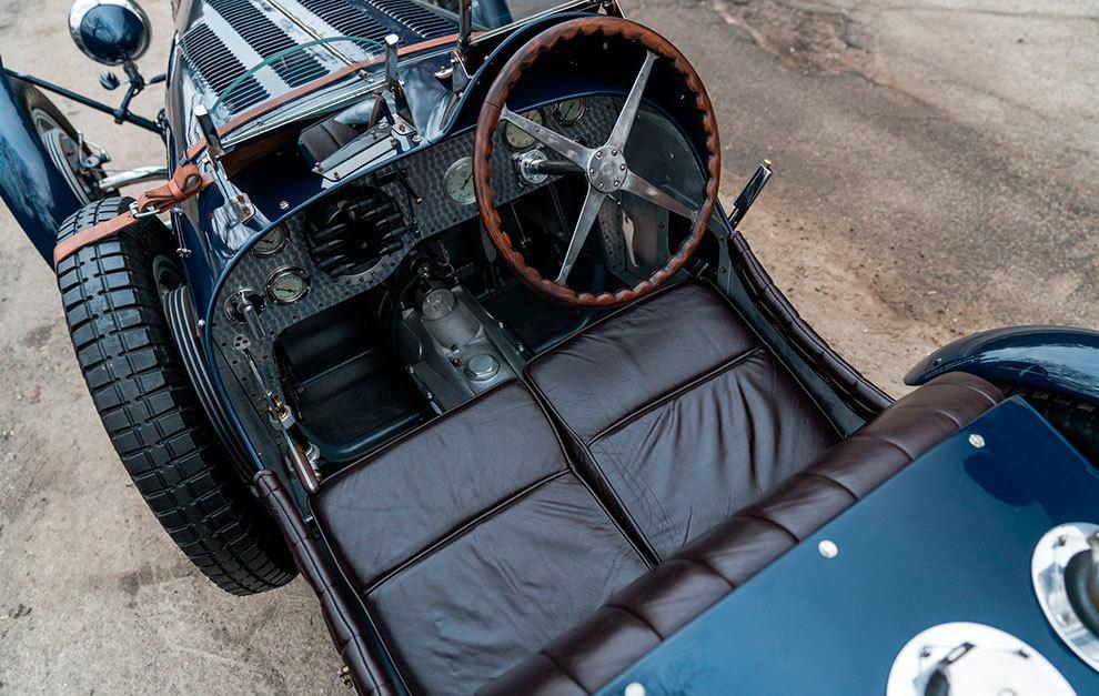 Para vivir las mismas sensaciones al volante que hace 100 años no hace falta el modelo original.