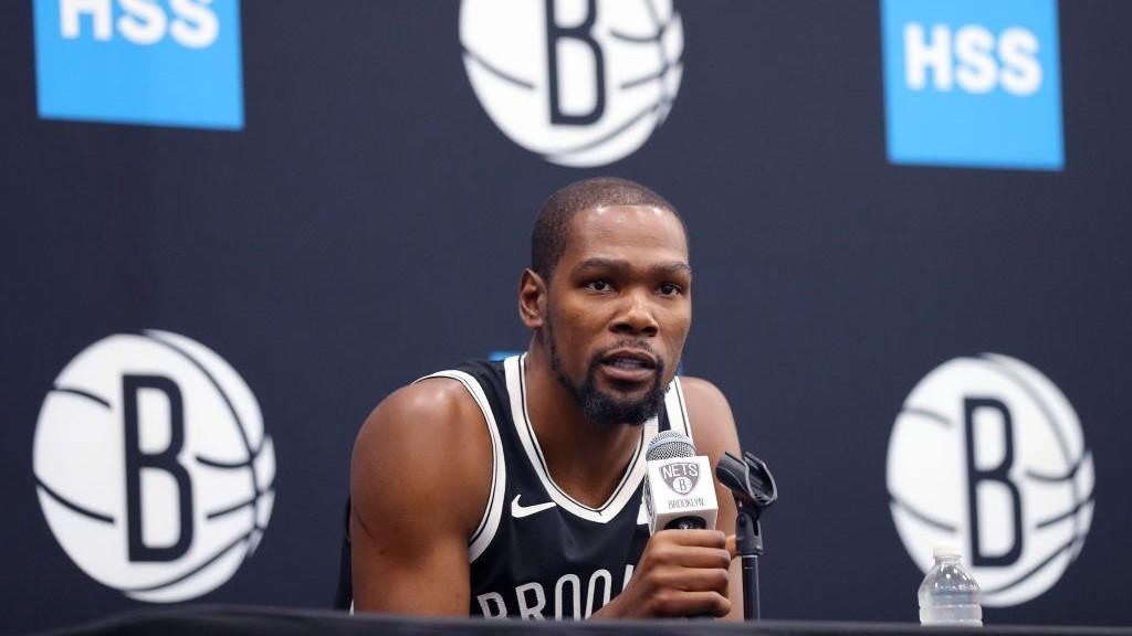 Kevin Durant, durante una rueda de prensa con los Brooklyn Nets.