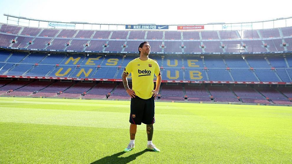Leo Messi posa en el Camp Nou.