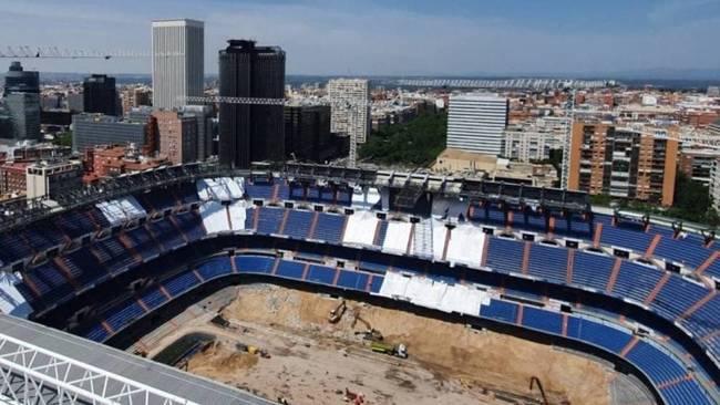 Aspecto actual del Santiago Bernabéu en obras.