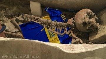 A Boca Juniors skeleton at the Bernabeu construction site: Archaeological mockery