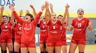 Las jugadoras del Helvetia Alcobendas celebrando una victoria