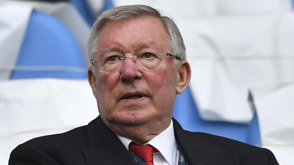 Alex Ferguson presenciando un partido del Manchester United