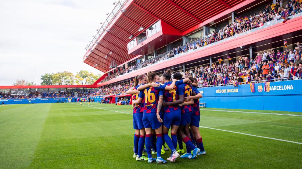 Las jugadoras del Barça celebran un gol