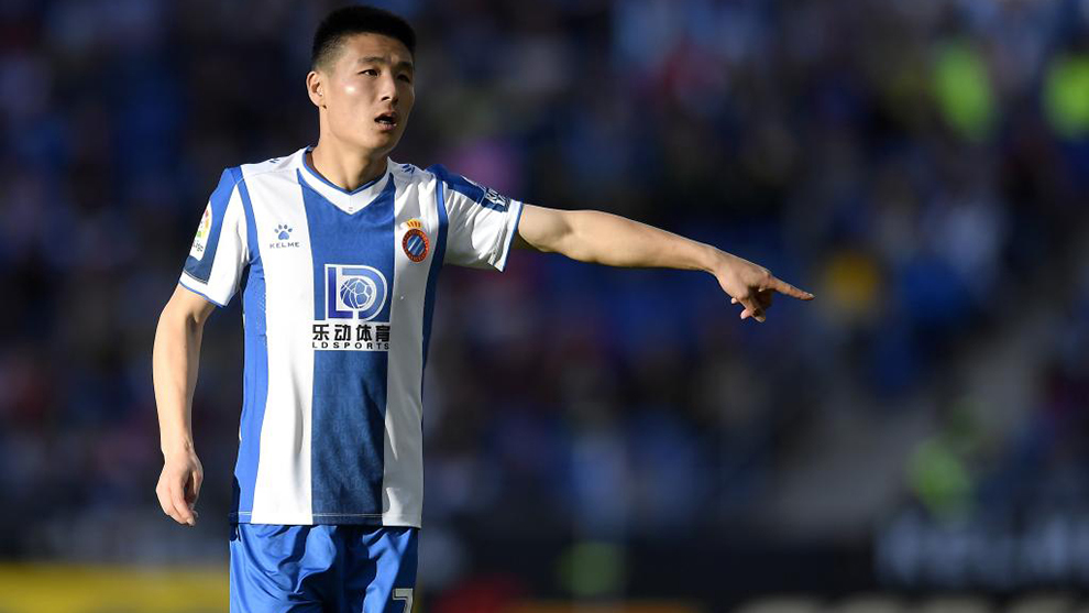 Wu Lei is in negotiations with Wolves