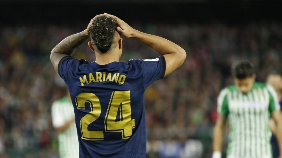 Mariano se lamenta de una ocasión perdida en el último partido en el...
