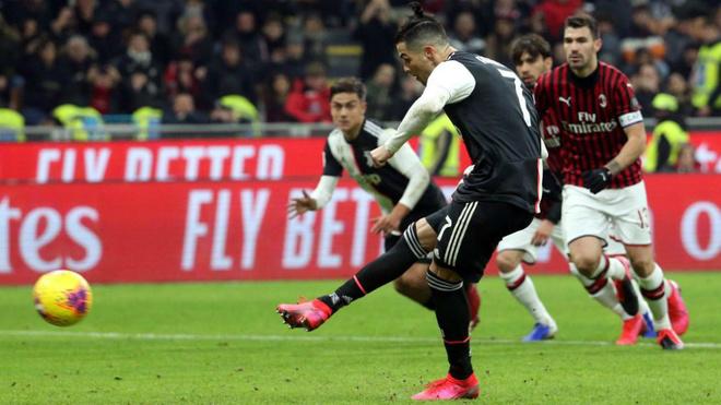 Cristiano Ronaldo marca desde los once metros el tanto del empate en...