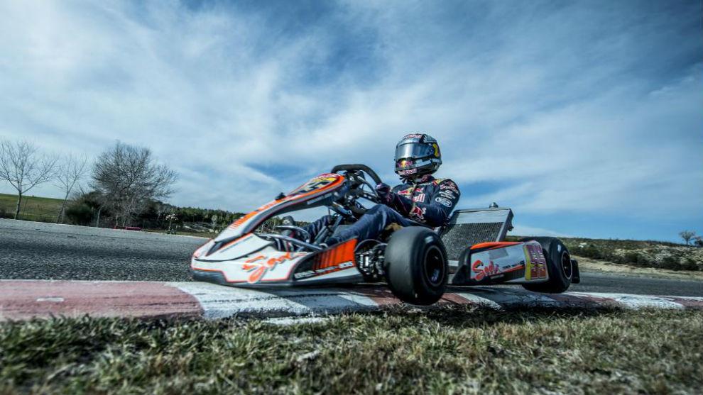 Carlos Sainz, entrenando en kart en Toledo cuando era piloto de Toro...