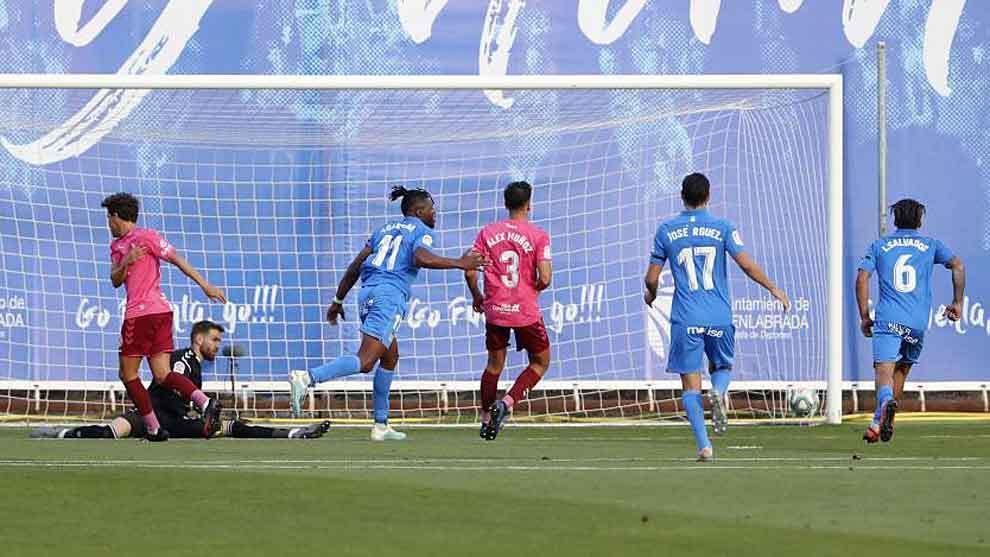 Sekou Gassama celebra el único gol del partido del Fuenlabrada ante...