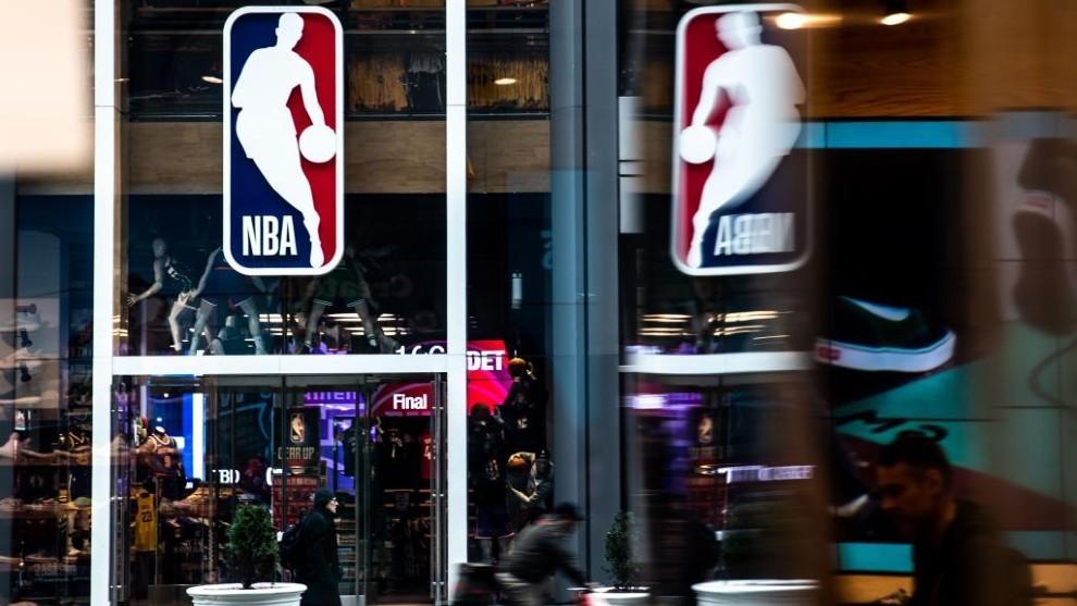 Aspecto de la entrada de la tienda oficial que la NBA tiene en la...