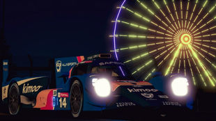 Fernando Alonso, con su coche virtual, en Le Mans.