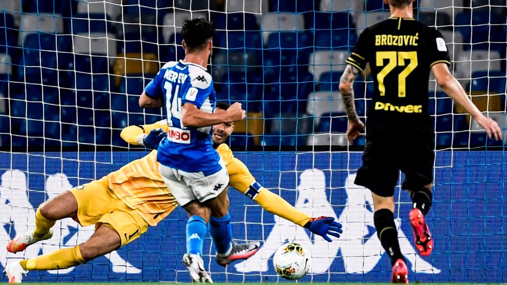 Record-breaking Mertens sends Napoli to the Coppa Italia final