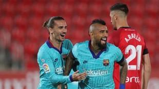 Griezmann y Arturo Vidal, en el partido del Barcelona en Mallorca