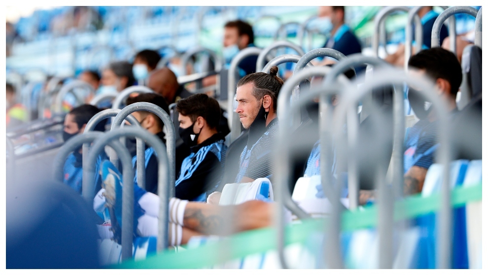 The sounds of an empty stadium: Ramos' orders, Mendilibar's shouts...