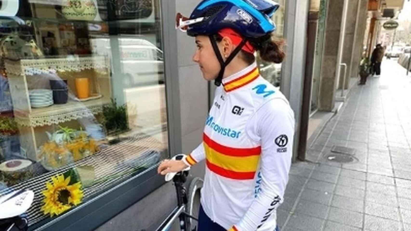 """Lourdes Oyarbide, campeona nacional, insultada tras librar el accidente: """"Española de mierda"""""""