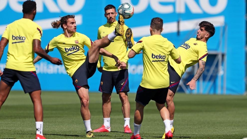 Lenglet joins Barcelona squad for Leganes clash