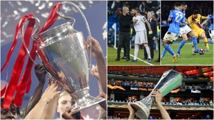 El Liverpool y el Chelsea, levantando el trofeo de las últimas...